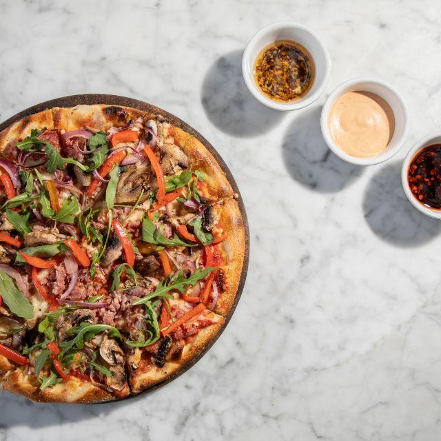 Pizza Salchicha Italiana - L'Osteria del Duomo, Guadalajara, CDMX