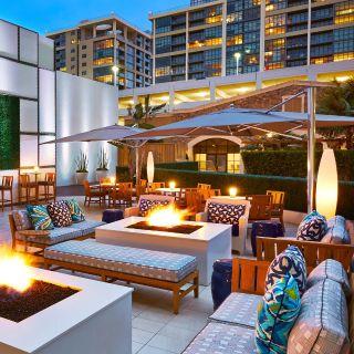 FLOE Lounge - Irvine Marriottの写真