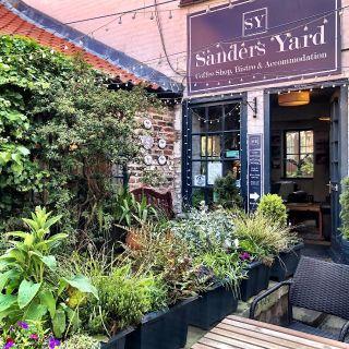 Foto von Sanders Yard Bistro Restaurant