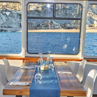 Cabo Wave Luxury Dinner Cruise
