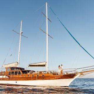 Tu Enamorado Luxury Dinner Yacht Cruise