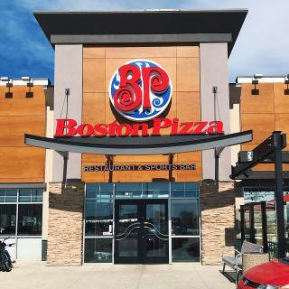A photo of Boston Pizza - St. Vital restaurant