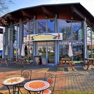 Foto von Monkey Diner Restaurant
