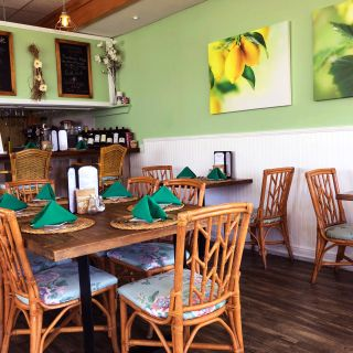 A photo of Cremesh European Restaurant restaurant