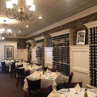 A photo of Steve's Piccola Bussola of Hauppauge restaurant