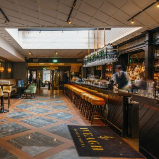 Elle's Bar & Bistro at The Iveagh Garden Hotelの写真