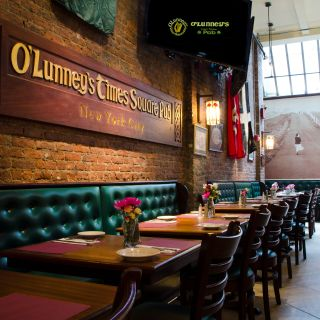 A photo of O'Lunney's Times Square Pub restaurant