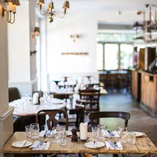 A photo of Smokehouse Islington restaurant