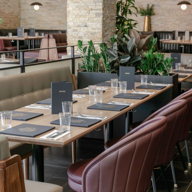 Earls Kitchen + Bar - Square One, Mississauga, ON