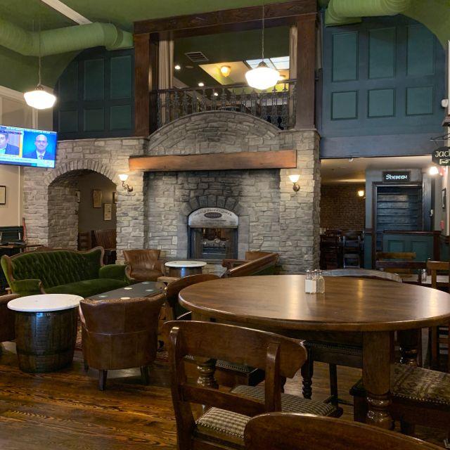 Molly Brannigans Irish Pub & Restaurant, Erie, PA