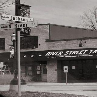 River Street Tavern
