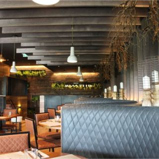 A photo of Hunter & Barrel - Eastland restaurant