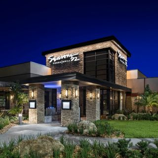 A photo of Seasons 52 - Sunrise restaurant