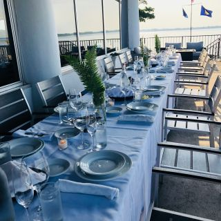 Lola Restaurant & Lounge
