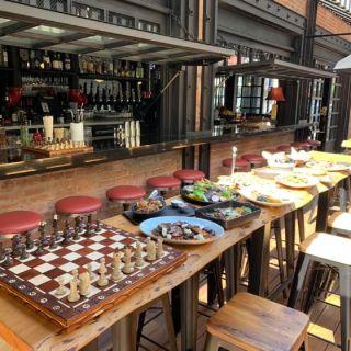 Chess Park Tavernの写真