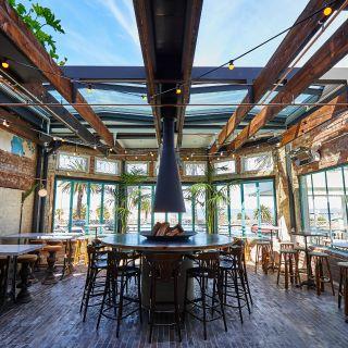 Foto von Main Bar at Hotel Esplanade Restaurant