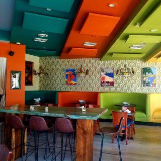 Hotsy-Totsy Bar & Grill