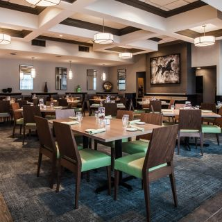 A photo of Bookmakers Restaurant - Holiday Inn Saratoga Springs restaurant