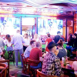 Una foto del restaurante Tequila Barrel Bar