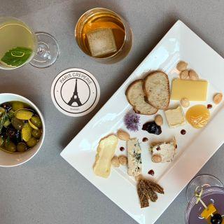 Foto von Paris Creperie Seaport Restaurant