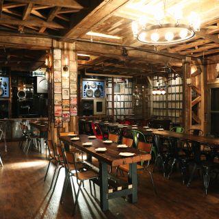 A photo of Turntable LP Bar & Karaoke restaurant