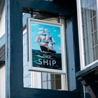 Foto von Ship Restaurant