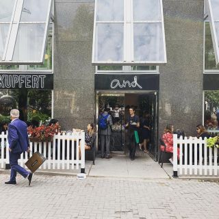 A photo of Kupfert & Kim Restaurant - Yorkville restaurant