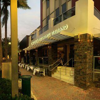 A photo of L'ACQUA Ristorante Italiano restaurant