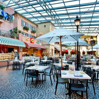 A photo of Pizzeria Bellucci at La Piazza restaurant