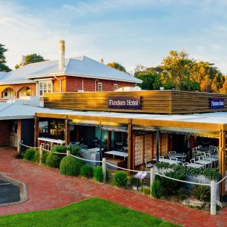 The Deck at Flinders Hotel