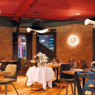 Foto von Chapeau Wine & Dine Restaurant