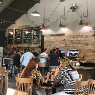 A photo of Palooza Beer Garden & Eatery - Sonoma restaurant