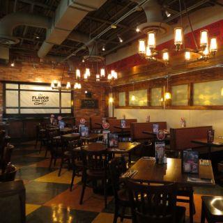 Foto von Uno Pizzeria & Grill - Smithfield Restaurant