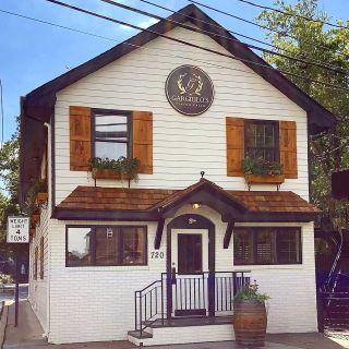 A photo of Gargiulos Tinton Falls restaurant
