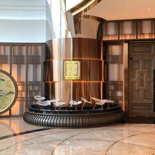 A photo of Man Ho Chinese Restaurant - JW Marriott Hotel Hong Kong restaurant