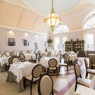 Foto von The Courtyard Tea Room Restaurant