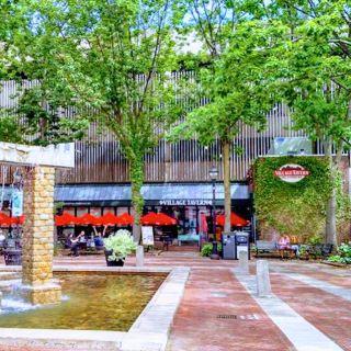 Foto von Village Tavern Restaurant