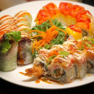 Maki Sushi Bar & Grill