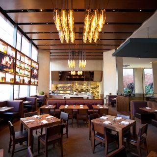 A photo of OneUP Restaurant & Lounge at Grand Hyatt San Francisco restaurant