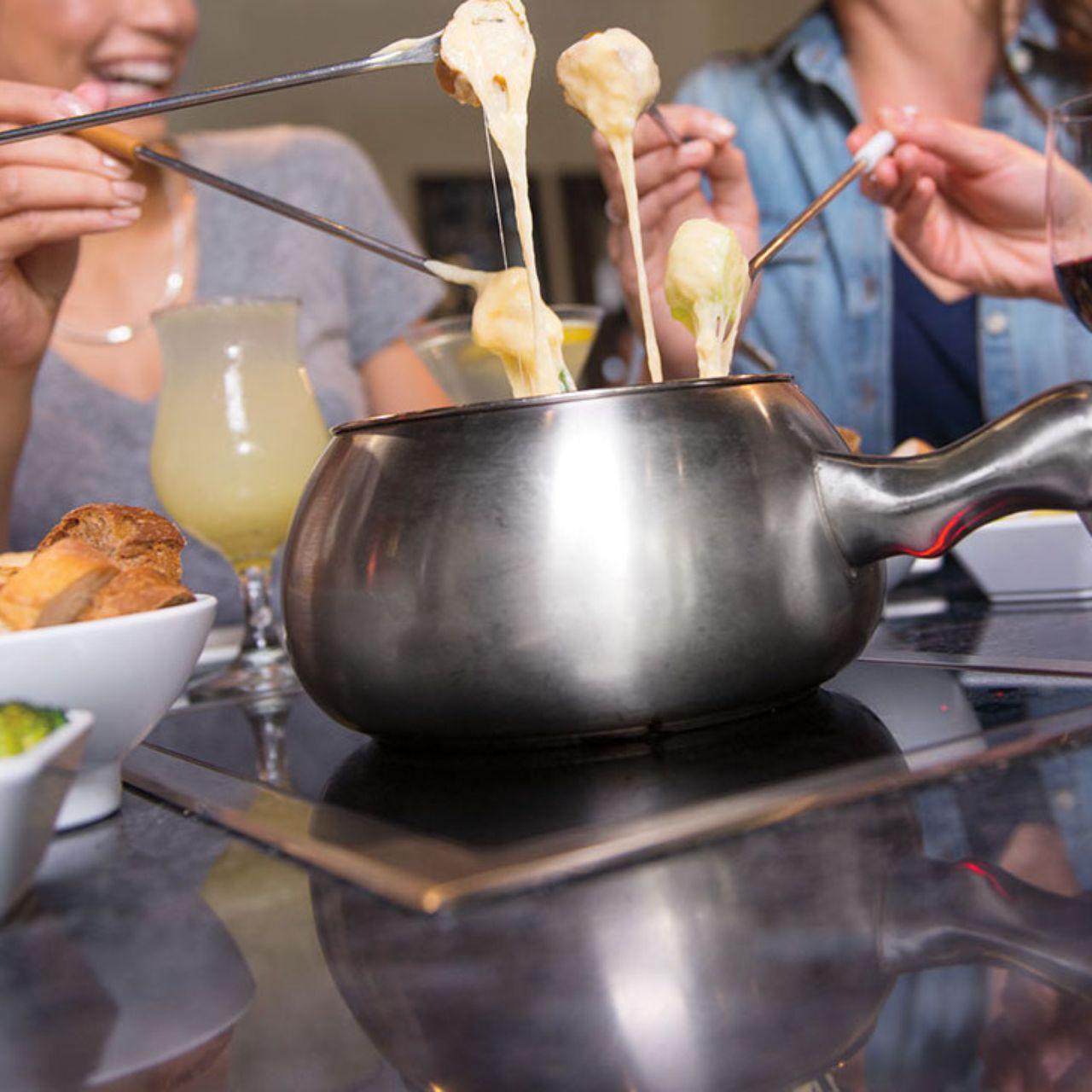 10 Best Fondue Pot With Full Set   Reviews September, 2020