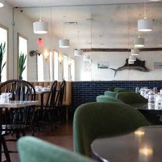 A photo of Cove Bar & Restaurant - Oakville restaurant