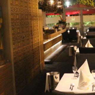 Taj-Taj Tandoori Bar & Grill room