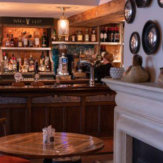 White Hart Pub & Rooms
