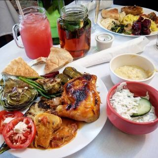 A photo of Bacheesos - Oakland restaurant