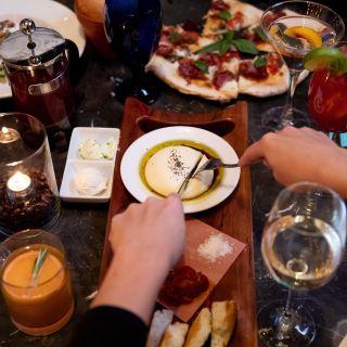 A photo of Dels Italian Kitchen restaurant