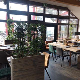 A photo of Elbe 1 restaurant