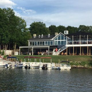 A photo of 308 Lakeside restaurant