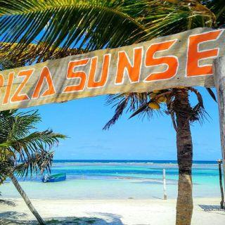 Foto von Ibiza sunset mahahual Restaurant