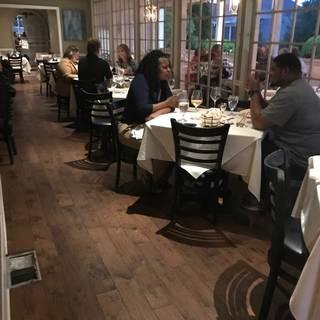 A photo of Old Vinings Inn restaurant