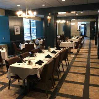 A photo of Cafe Mezzanotte restaurant